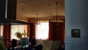 Kaposvár családi ház: Családi ház klimatizálása rejtett légcsatornás megoldással, szobánkénti szabályozhatósággal, 8kW hűtőteljesítményű inverteres klímaközponttal.